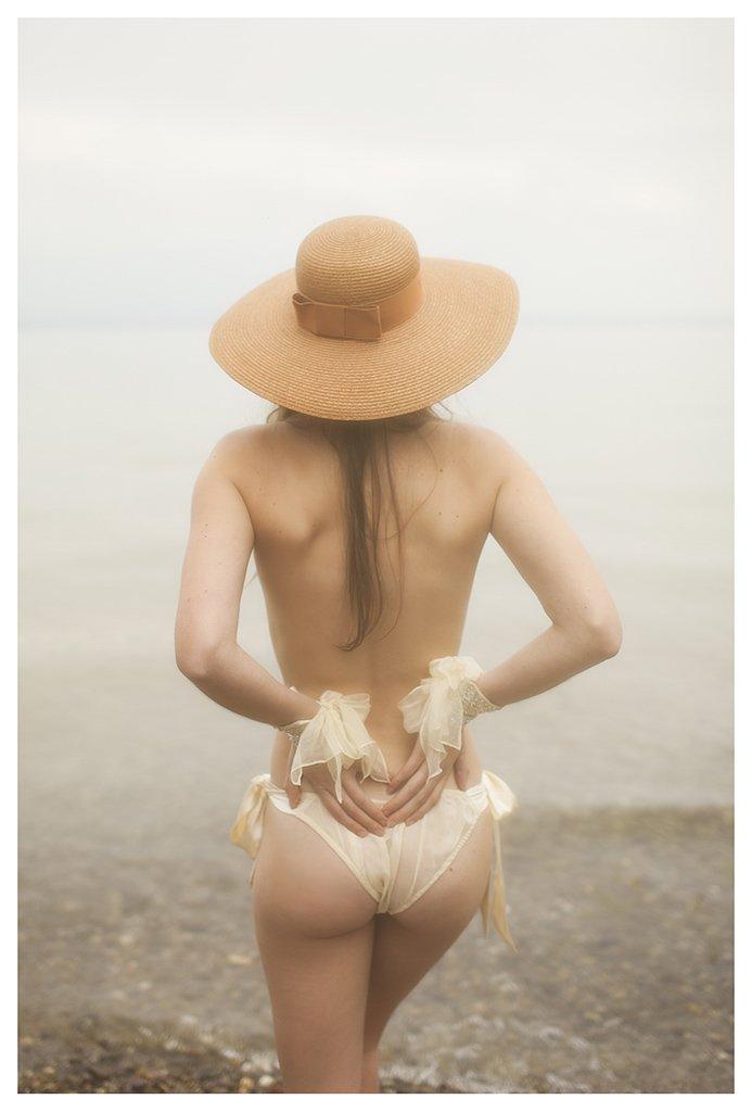 The-Forest-Magazine_Vivienne-Mok_0009