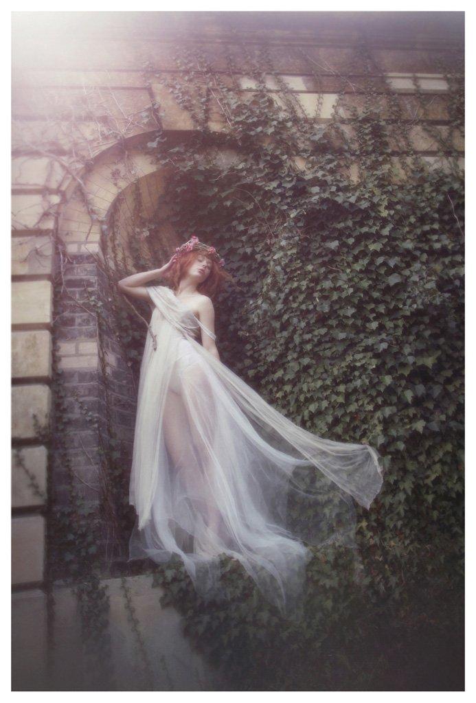 The-Forest-Magazine_Vivienne-Mok_0025