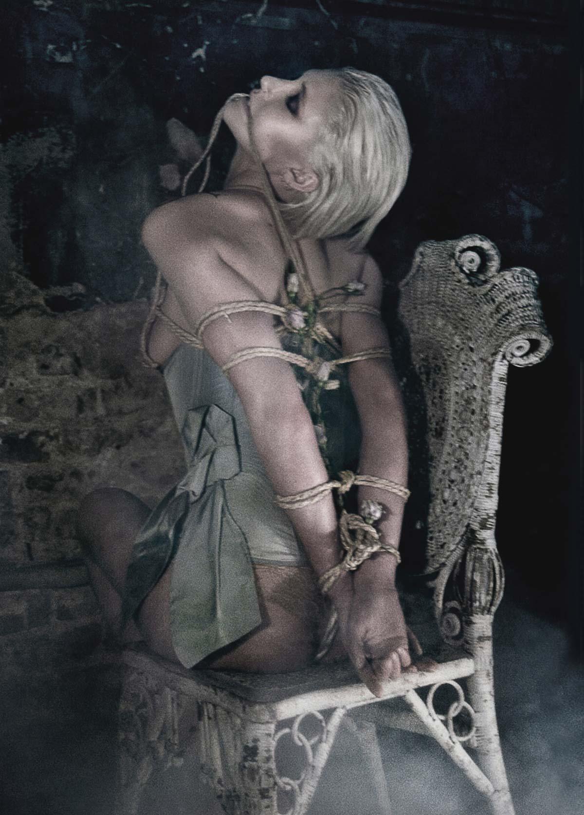 The-Forest-Magazine_Nicolas-Hayward_Carmen-Chaigh_0007