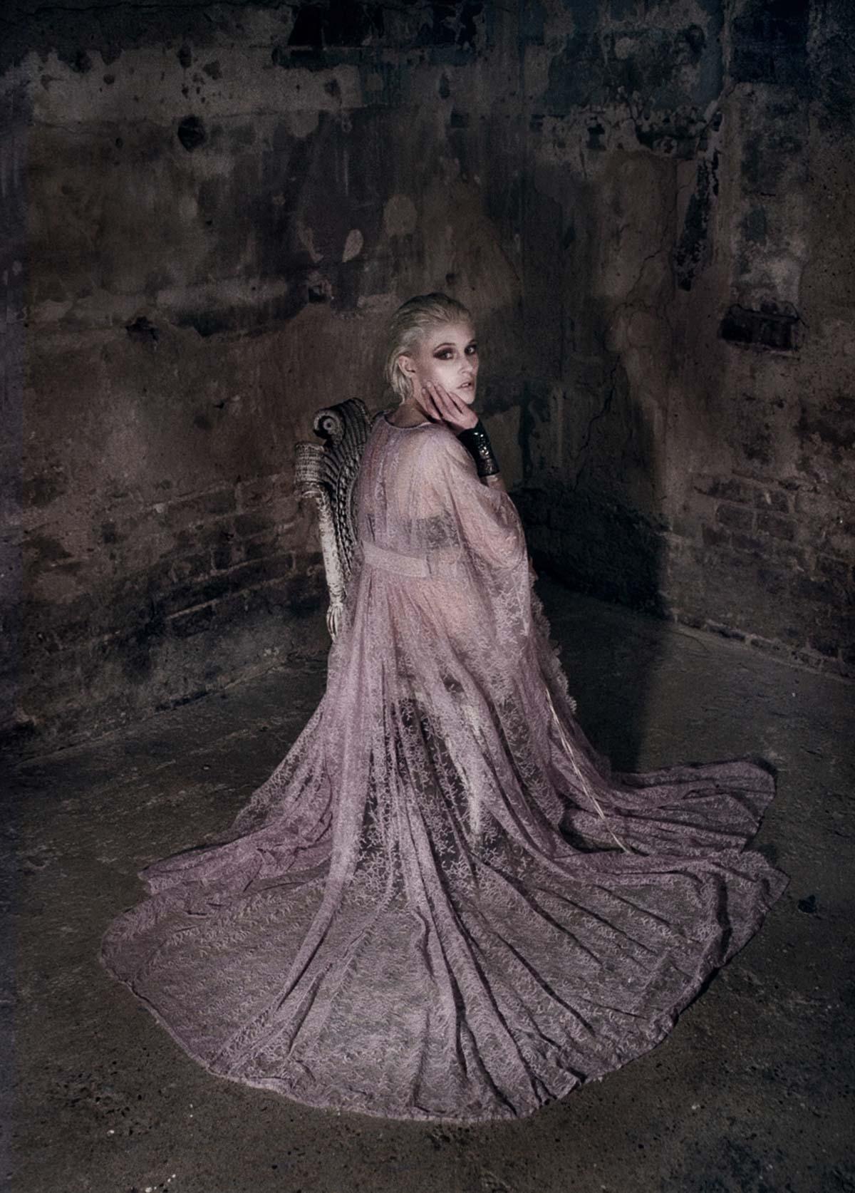 The-Forest-Magazine_Nicolas-Hayward_Carmen-Chaigh_0008