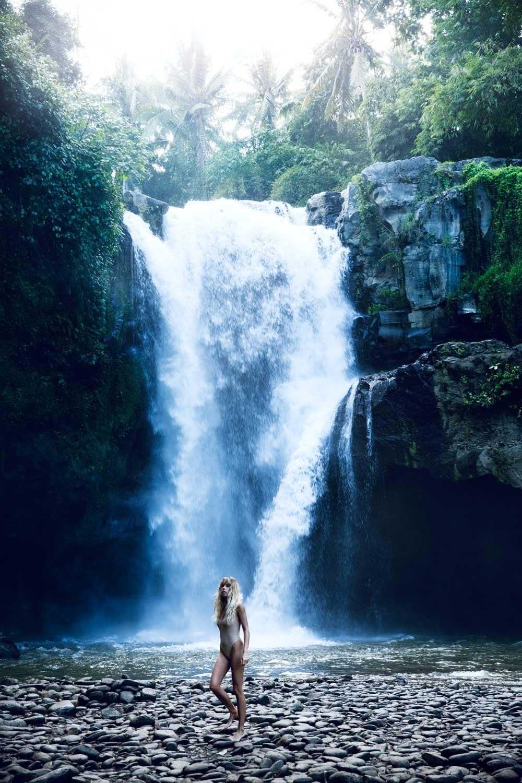 The-Forest-Magazine_Amberly_Valentine_Madeline_Joy_Relph_0002