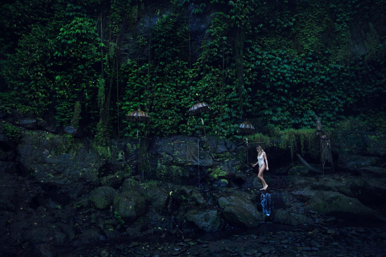 The-Forest-Magazine_Amberly_Valentine_Madeline_Joy_Relph_0003
