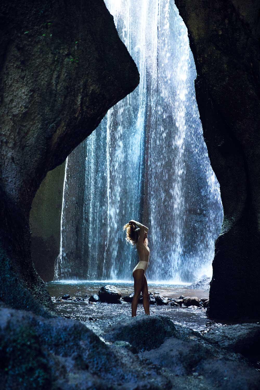 The-Forest-Magazine_Amberly_Valentine_Madeline_Joy_Relph_0024