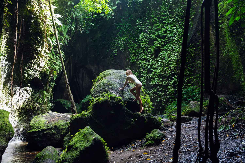 The-Forest-Magazine_Amberly_Valentine_Madeline_Joy_Relph_0025