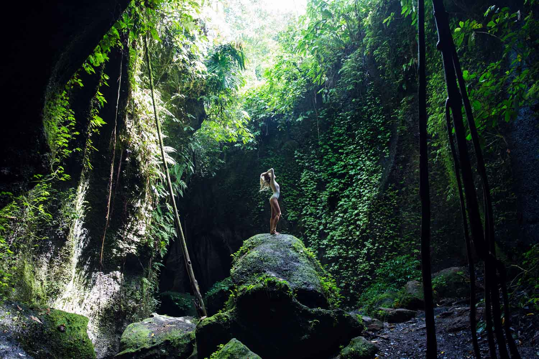 The-Forest-Magazine_Amberly_Valentine_Madeline_Joy_Relph_0026