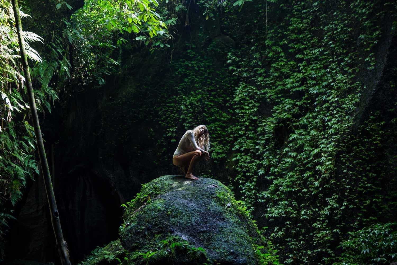 The-Forest-Magazine_Amberly_Valentine_Madeline_Joy_Relph_0027