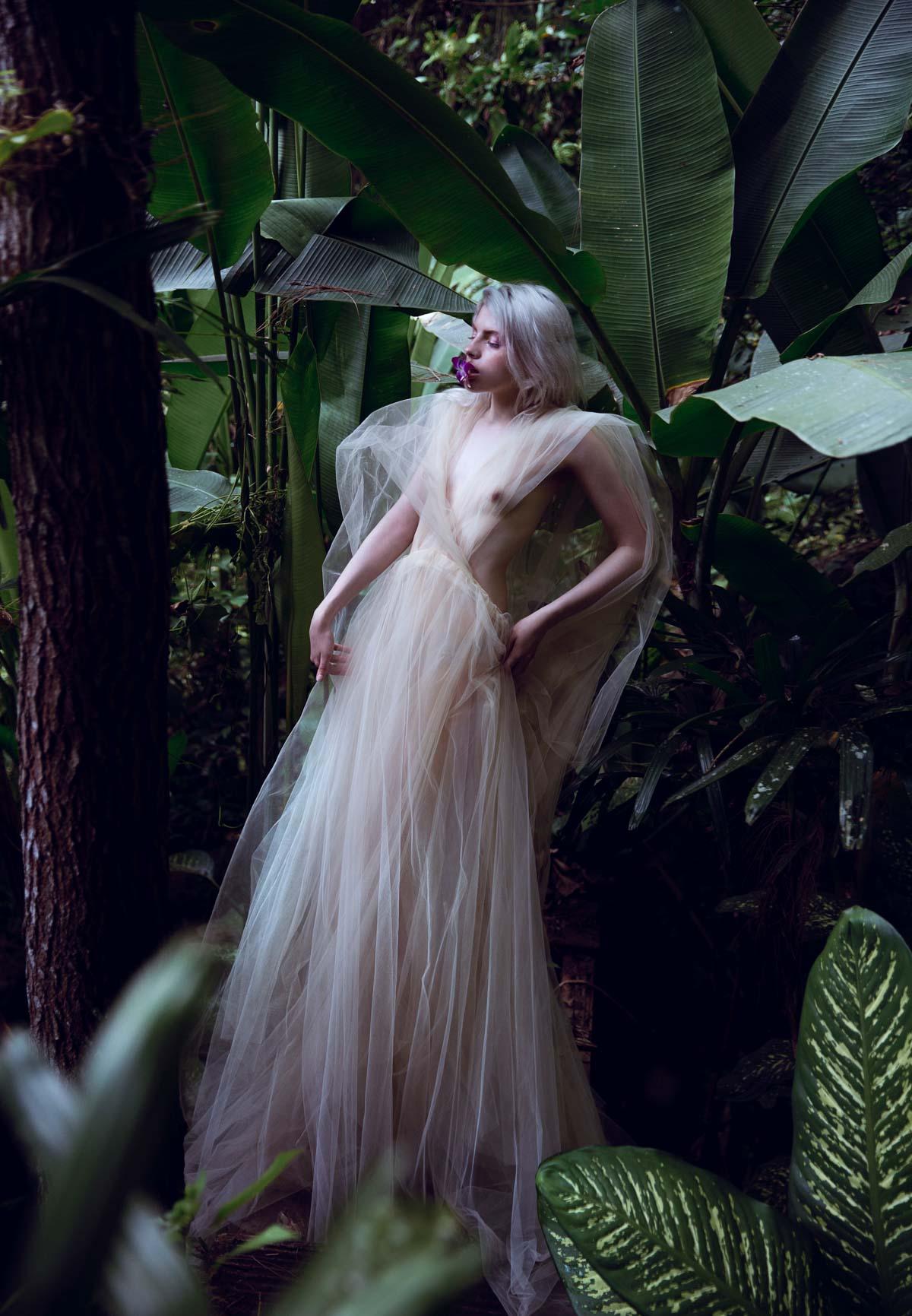 the_forest_magazine_amberly_valentine-neve-angie_angorro_0004