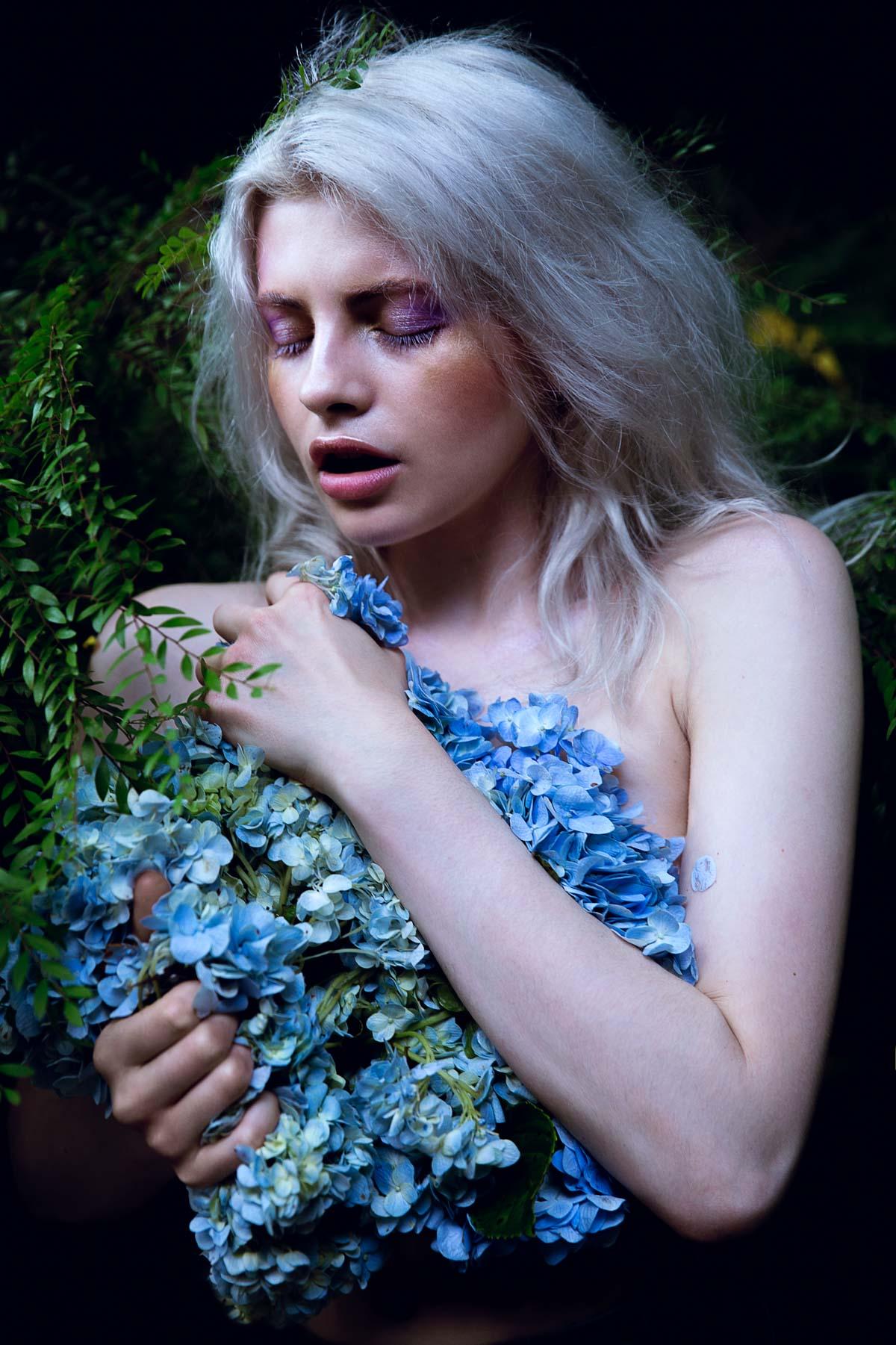 the_forest_magazine_amberly_valentine-neve-angie_angorro_0012