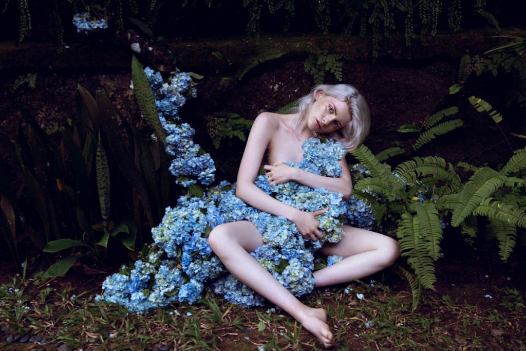 the_forest_magazine_amberly_valentine-neve-angie_angorro_0013